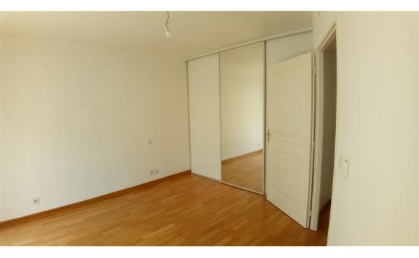 chambre 2 / placard