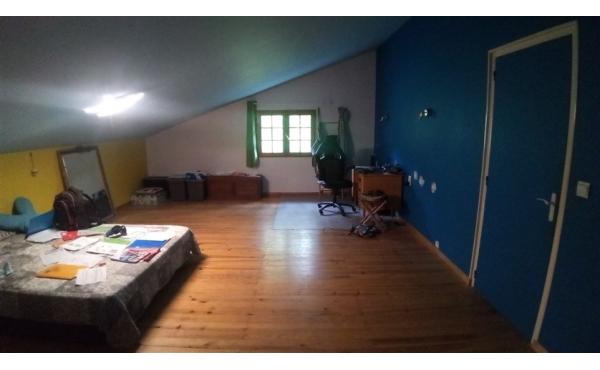 2 éme grande chambre de 26 m2 en parquet au 1 er étage